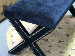 Crossed legs footstool