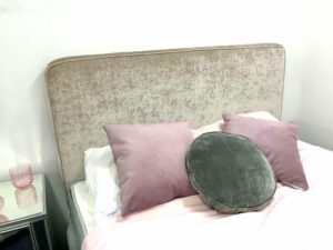 Piped Upholstered bedhead1