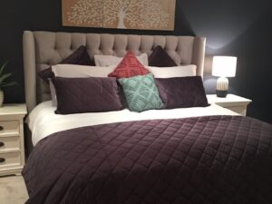 tufted head board with wings