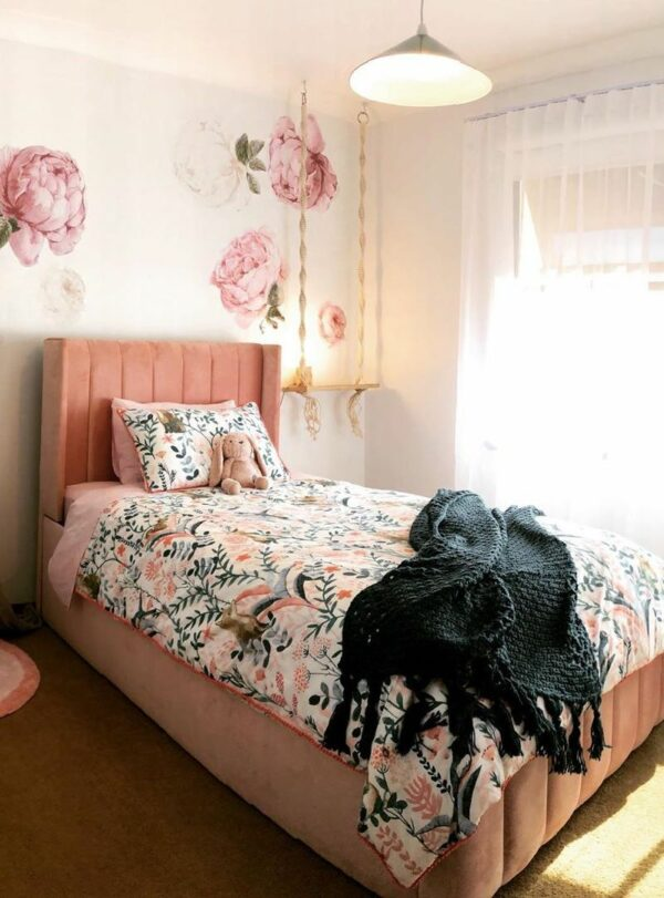 Lola Kids Bed