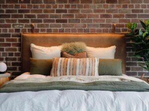 wall haniging bedhead